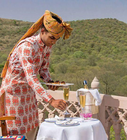 Dining, Oberoi Vanyavilas in Ranthambore, Rajasthan India