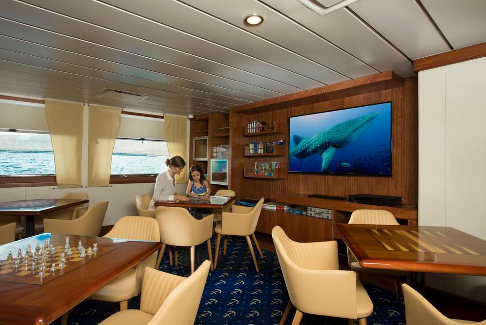 Discovery room, Santa Cruz II Yacht, Galapagos
