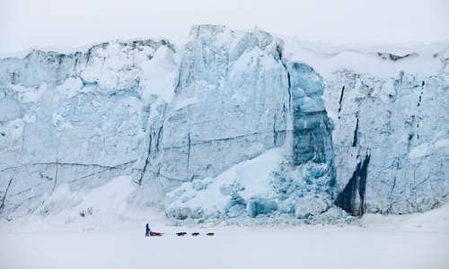 Dogsledding (Credit: Spitsbergen Travel/Green Dog)