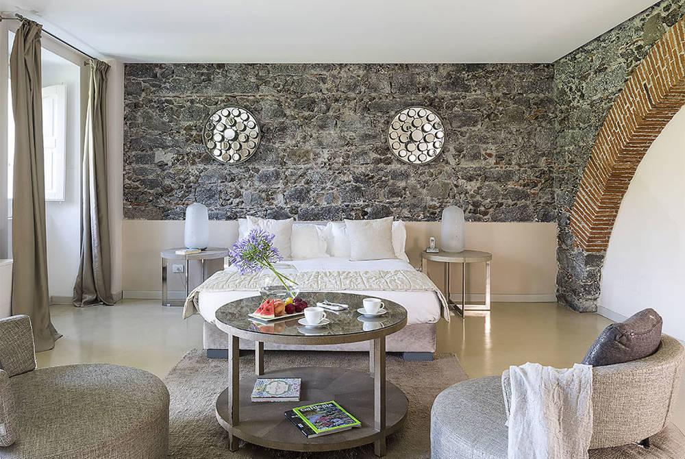 Donna Carmela Classic room