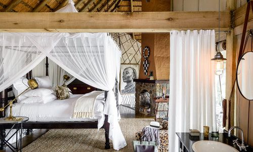 Ebony Lodge, Sabi