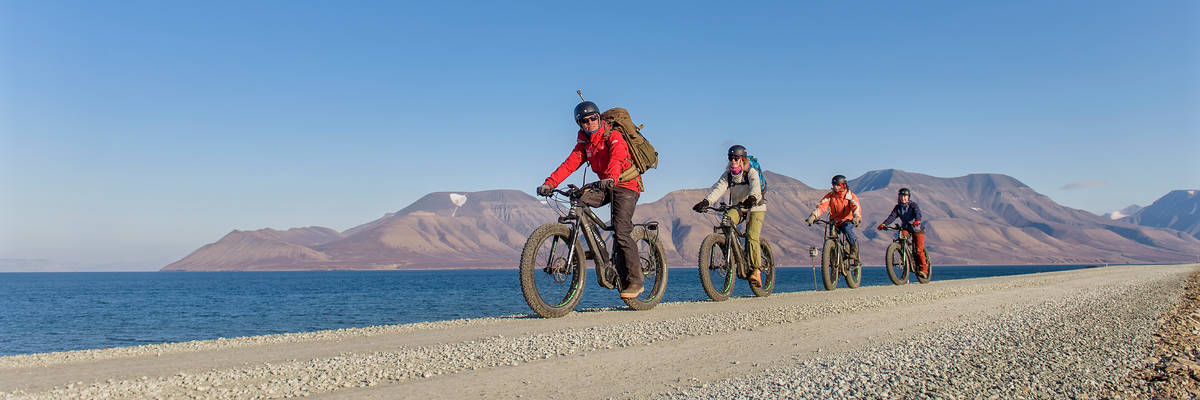 The best summer excursions on Svalbard