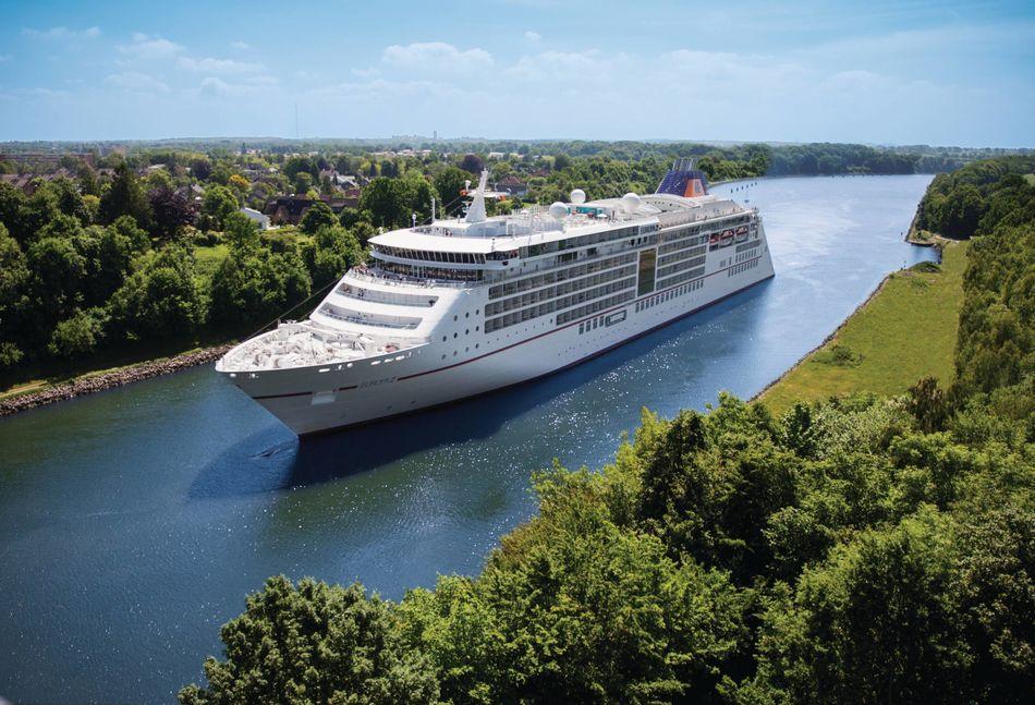Hapag-Lloyd Cruises Europa 2