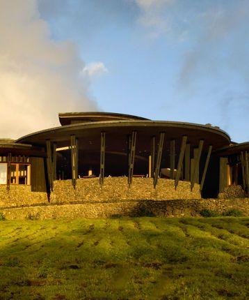 Explora Rapa Nui, Hanga Roa