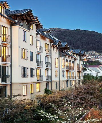 Exterior, Hotel St Moritz