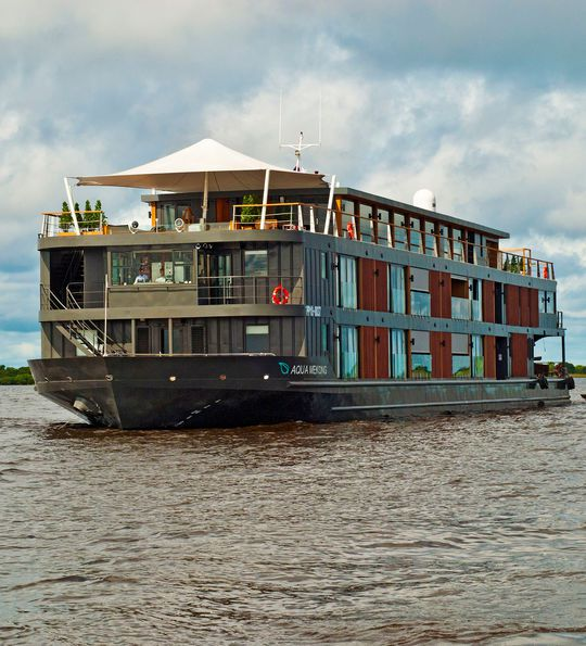 Aqua Mekong cruise ship from Cambodia to Vietnam