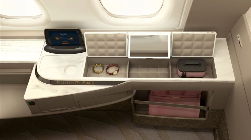 First Class suite, Singapore Airlines