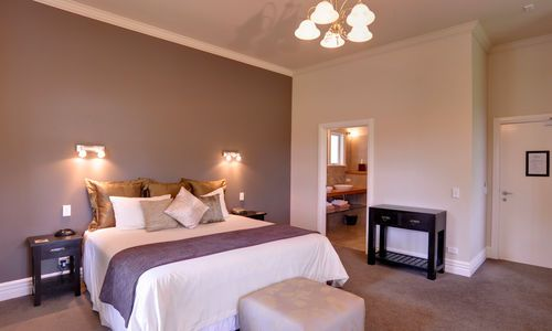 Flagstaff Lodge, Strand room, New Zealand