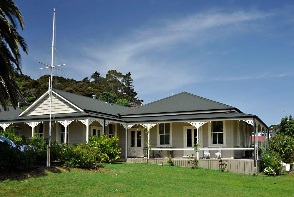 Flagstaff Lodge exterior, New Zealand