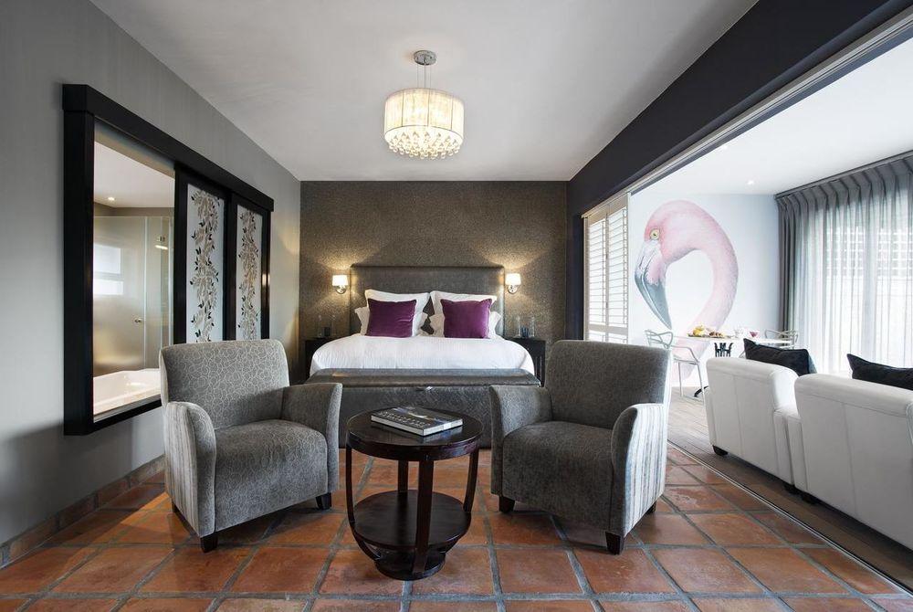 Flamingo Pool Suite, Majeka House