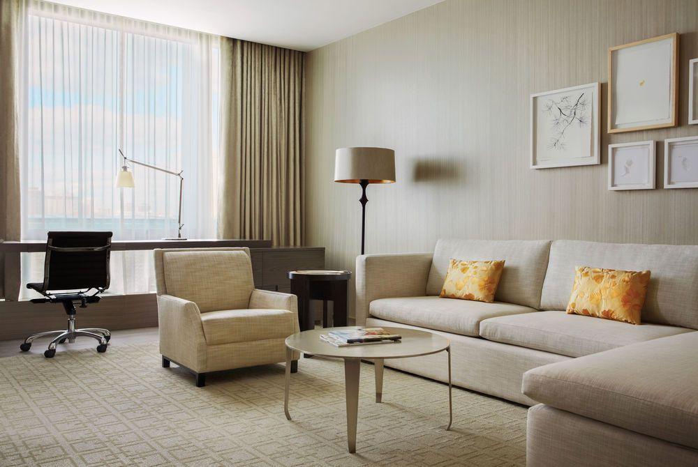 Four Seasons Hotel Toronto, Canada