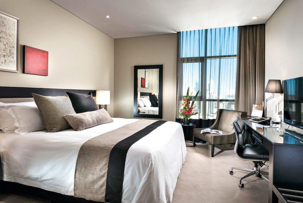 Fraser Suites Bedroom