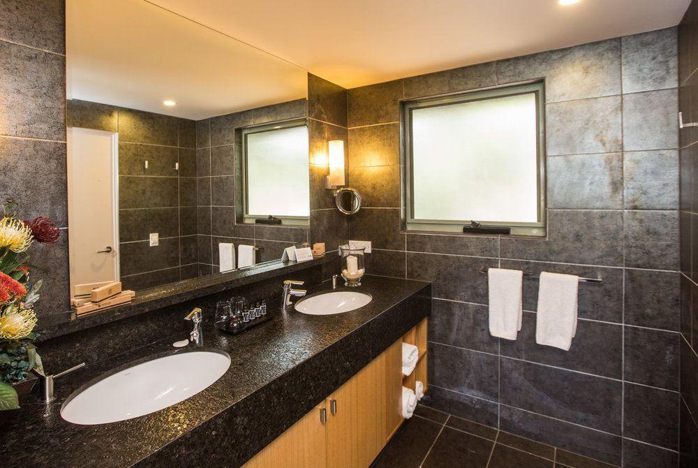 Premier Spa Cabin Bath