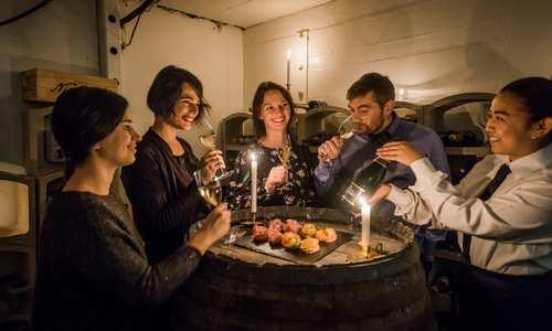 Champagne tasting (Credit: Agurtxane Concellon/Hurtigruten Svalbard)