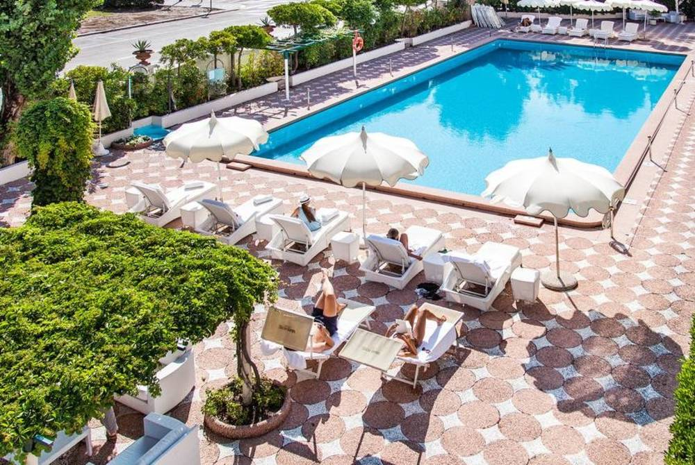 Grand Hotel Rimini swimming pool