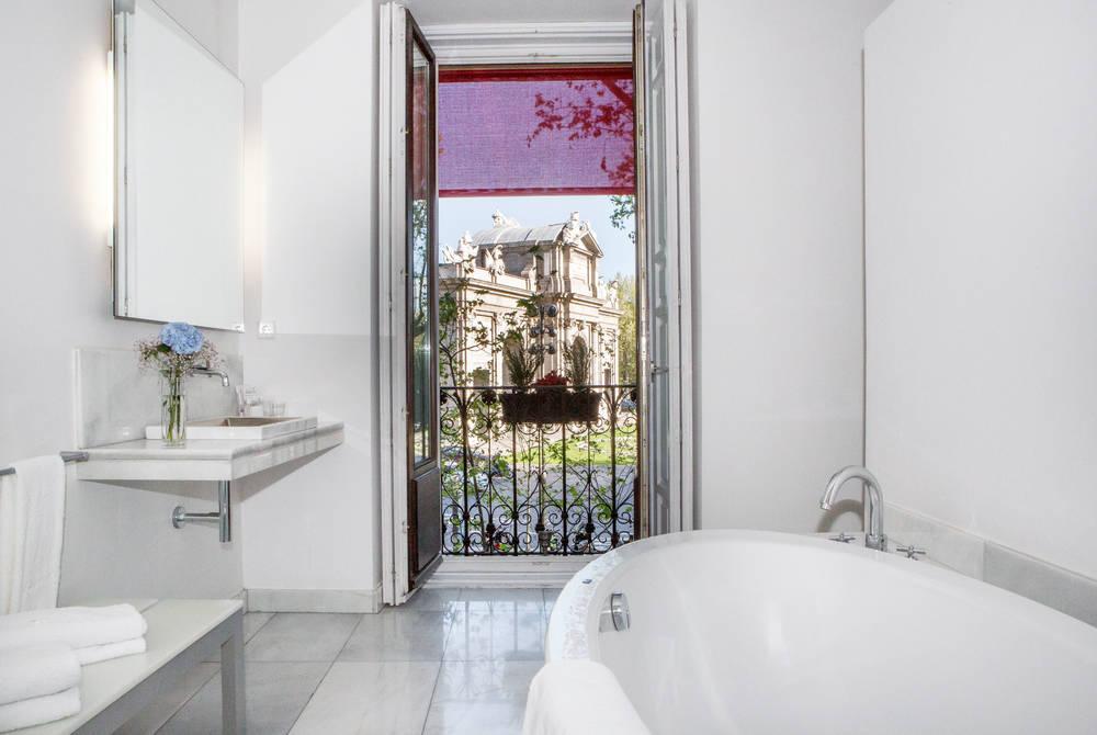 Grand Suite bathroom, Hospes Puerta Alcalá, Madrid