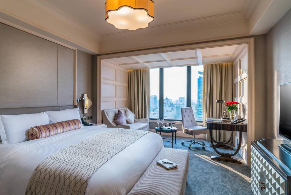 Guestroom, Caravelle Hotel