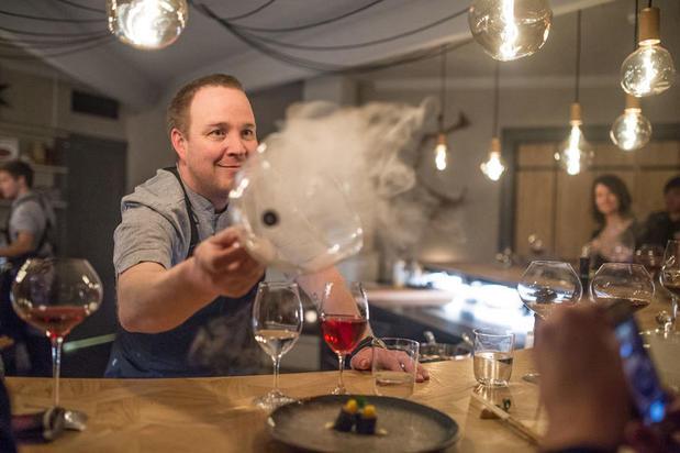 Head Chef Alexander Meijer, Chef´s table at the Veranda (Credit- Asaf Kliger © ICEHOTEL)