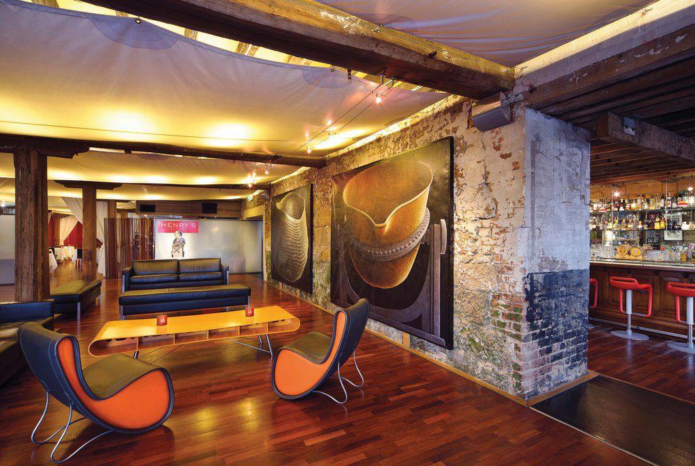 Henry Jones Art Hotel Lobby