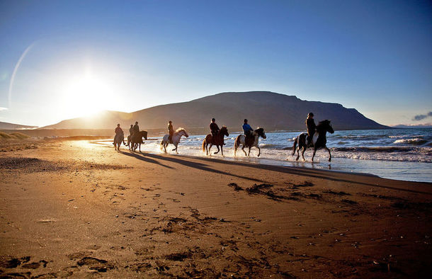 Horseback riding, Arctic Coast Way