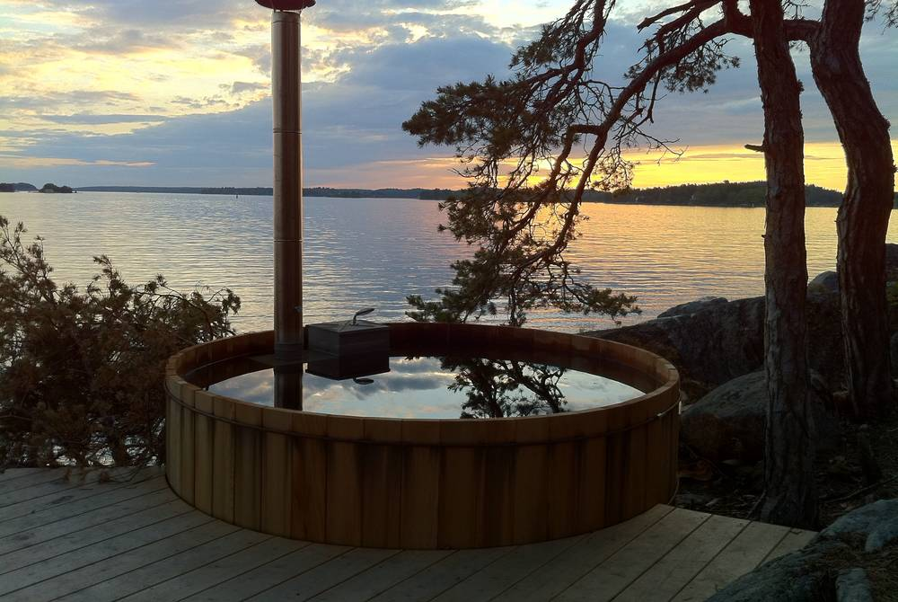 Hot tub, Island Lodge