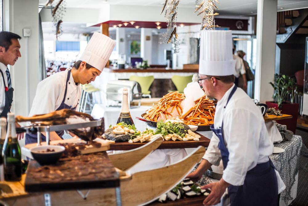 Dining, Hotel Arctic