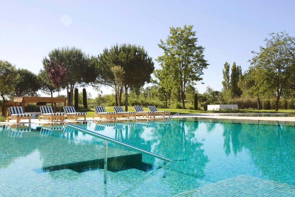 Hotel Camiral swimming pool