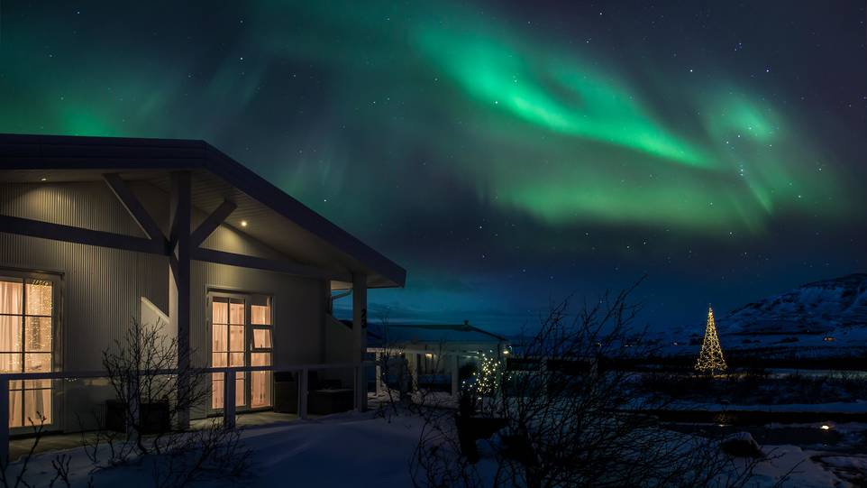 Romantic Iceland & the Northern Lights