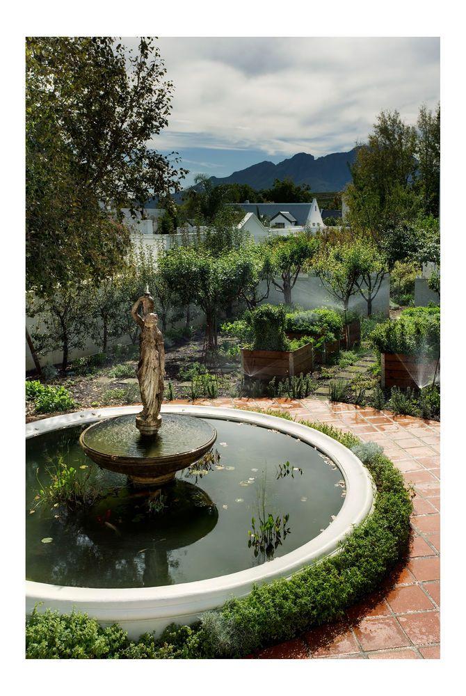 House Herb Garden, Majeka House