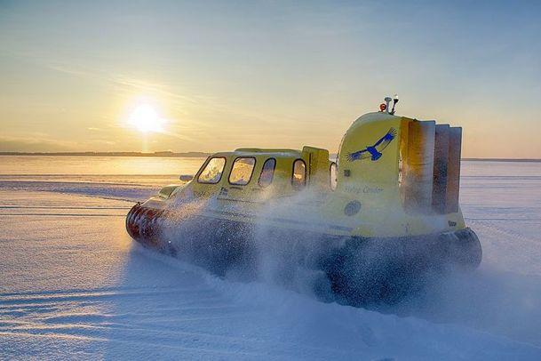 Hovercraft excursion, Brändön Lodge