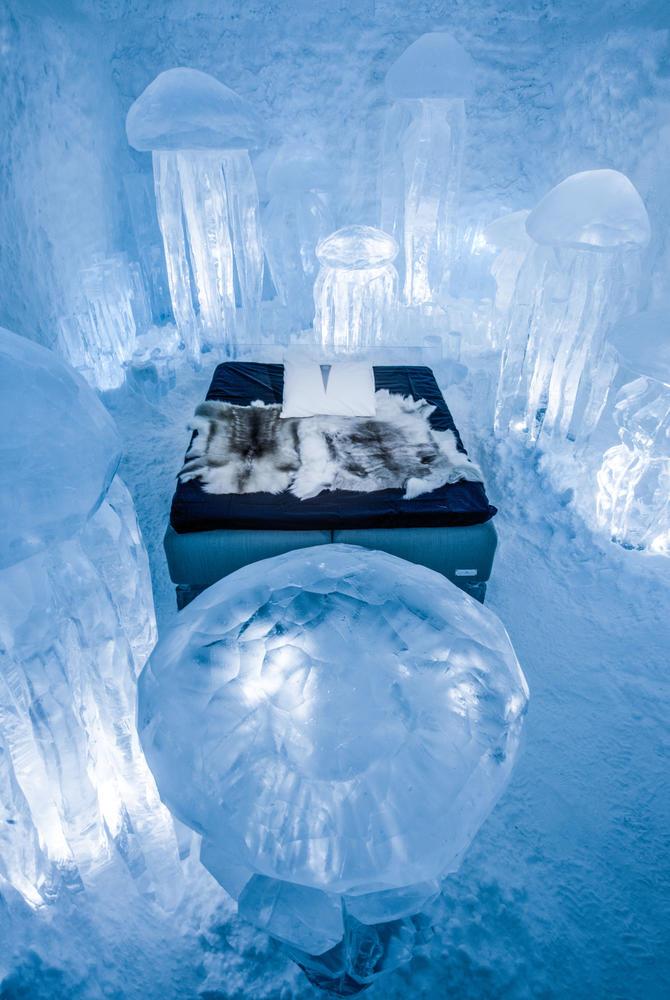 Hydro Smack Art Suite, ICEHOTEL 365 (© Asaf Kliger)