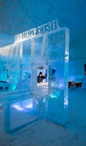 ICEBAR, ICEHOTEL 365 (Credit: Asaf Kliger)