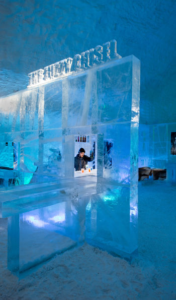 ICEBAR at the ICEHOTEL (Credit: Asaf Kliger)