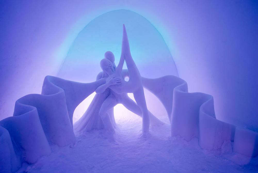 ICEHOTEL 29 | Art Suite Dancing Auroras | © ICEHOTEL