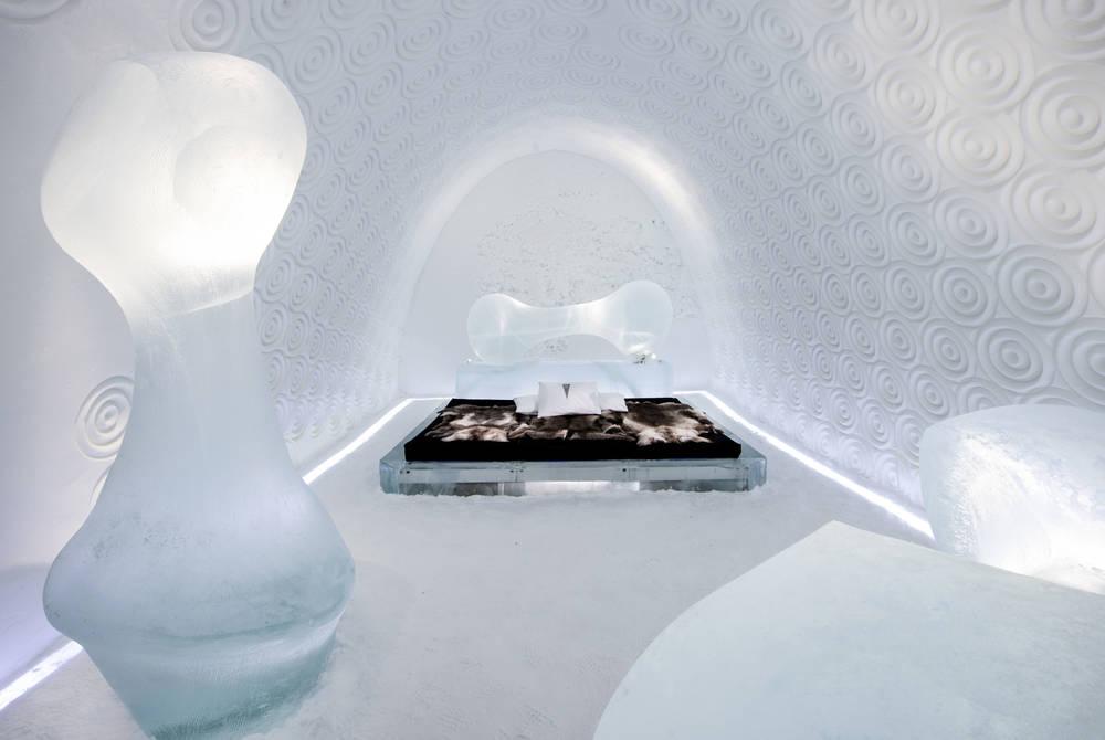 ICEHOTEL 30 | Art Suite Bone Room | Design Rob Harding | Photo Asaf Kliger