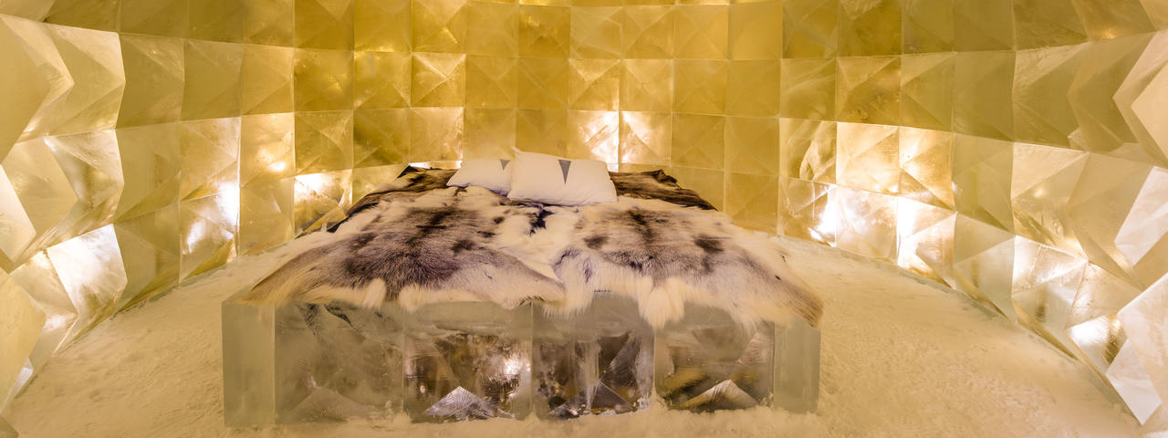 ICEHOTEL 30 | Art Suite Golden Ice | Design Nicolas Triboulot & Jean-Marie Guitera | Photo Asaf Kliger