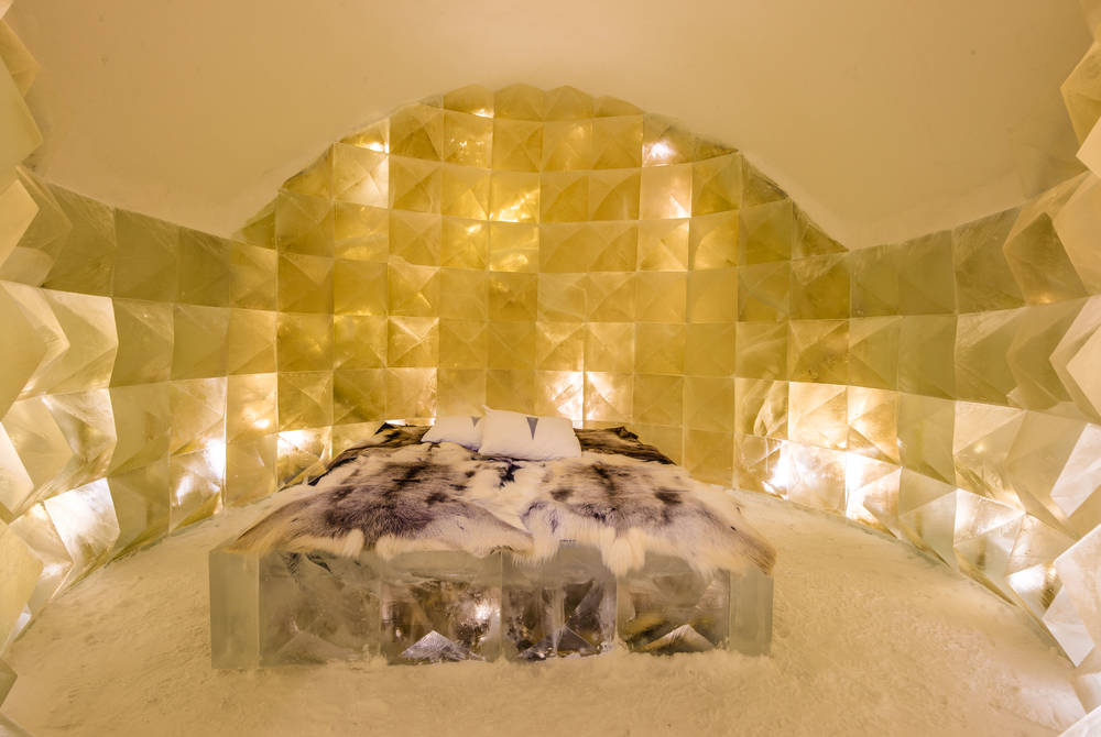ICEHOTEL 30 | Art Suite Golden Ice | Design Nicolas Triboulot & Jean-Marie Guitera | Photo Asaf Kliger