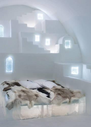 ICEHOTEL 30 | Art Suite White Santorini | Design Haemee Han Jae & Yual Lee | Photo Asaf Kliger | © ICEHOTEL www.icehotel.com