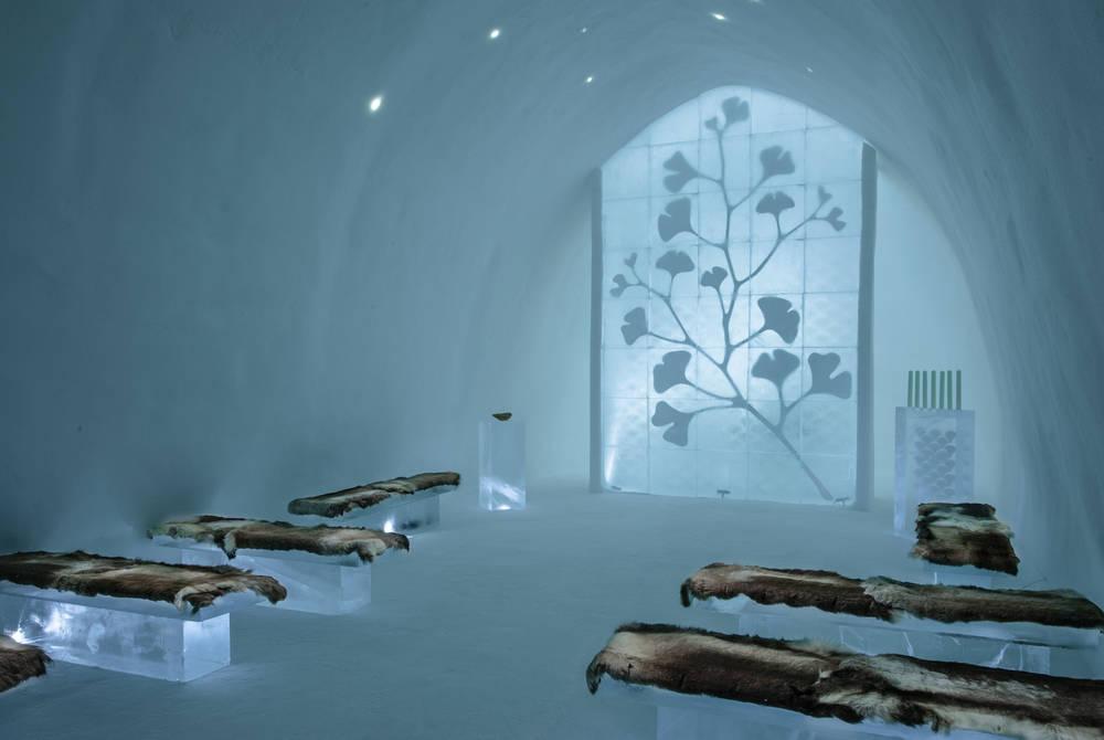ICEHOTEL 30 | Ceremony Hall Ginkgo | Design Kauppi & Kauppi | Photo Asaf Kliger | © ICEHOTEL www.icehotel.com