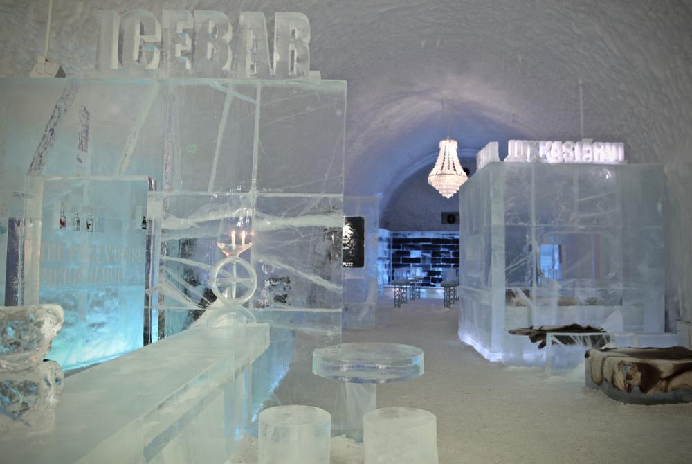 ICEHOTEL 365 ICEBAR