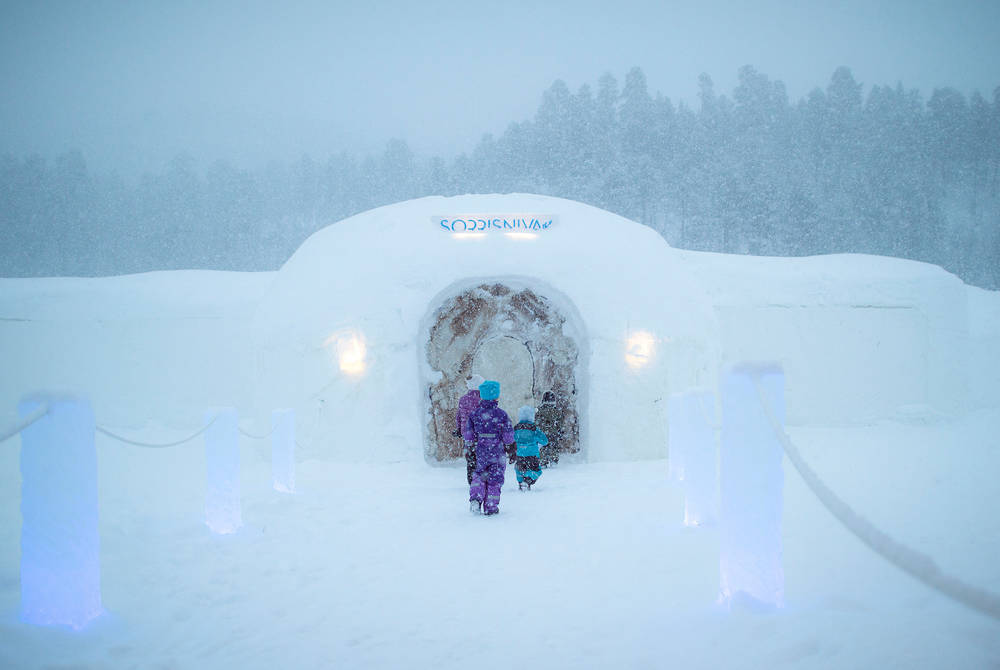 Sorrisniva Igloo Hotel & Northern Lights cruise