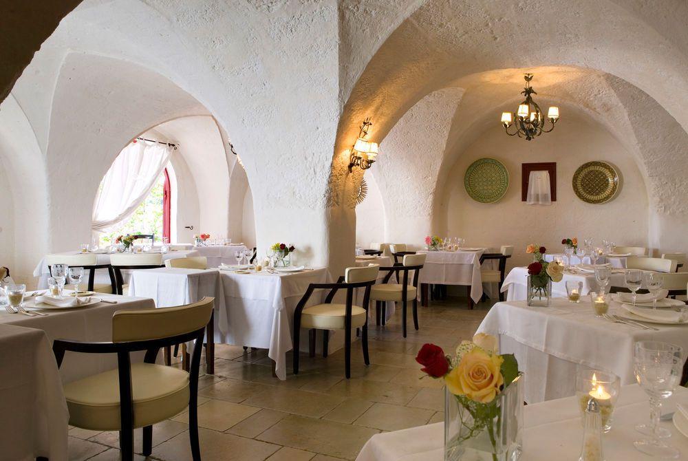 Indoor restaurant, Masseria Torre Coccaro, Puglia