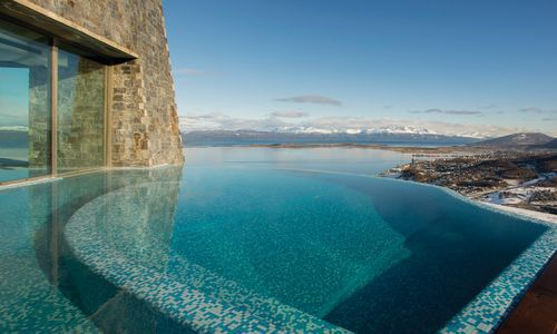 Infinity pool, Arakur Ushuaia Resort & Spa