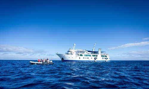Isabela II Yacht, Galapagos