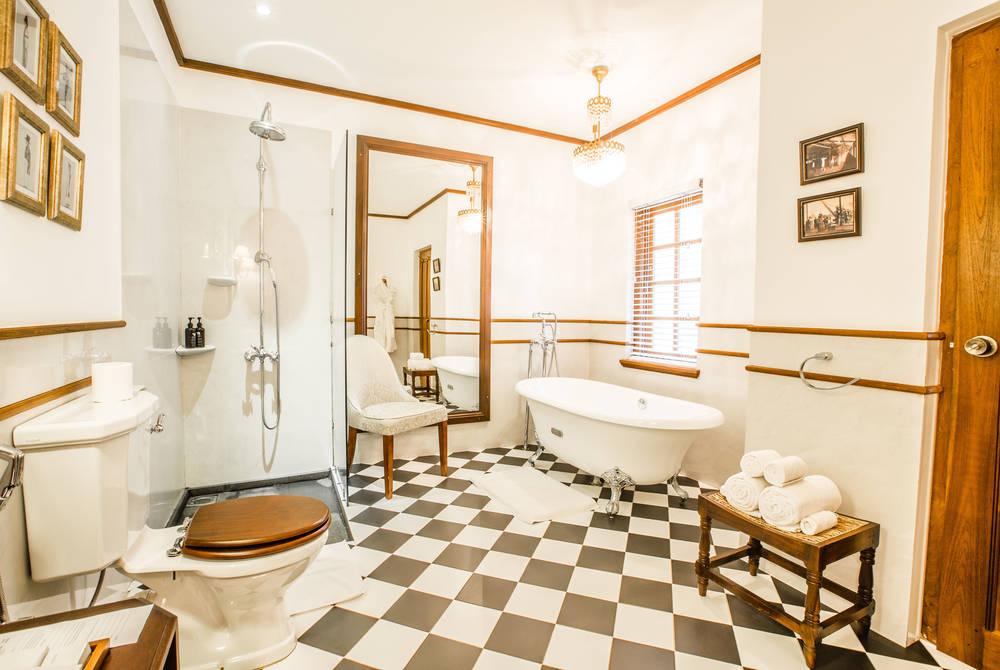 James Taylor Suite Bathroom, Thotalagala, Sri Lanka