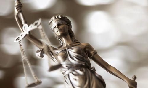 Justicia statue