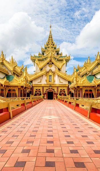 Karaweik Palace, Yangon, Myanmar, Burma