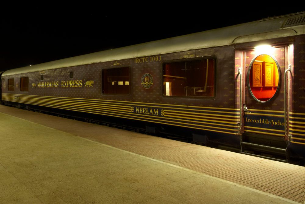 Khajuraho Station, Maharajas' Express