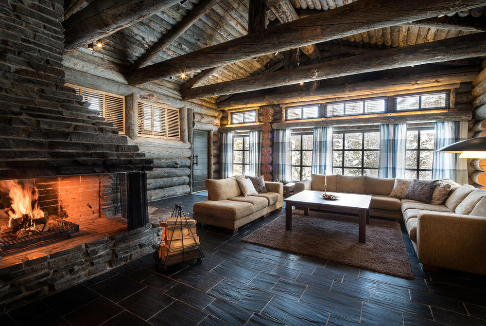 The cosy lounge at L7 Luxury Lodge in Finnish_Lapland
