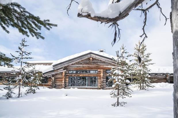 L7 Luxury Lodge in Finland surrounded by snow